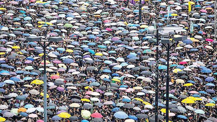 راهپیمایی 2 میلیون نفری در هنگکنگ