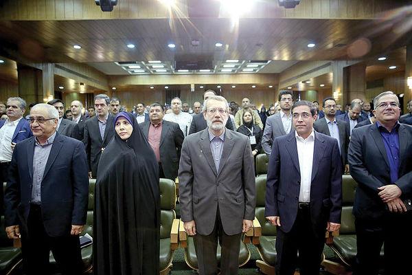 دو دنیای متفاوت اقتصاد ایران
