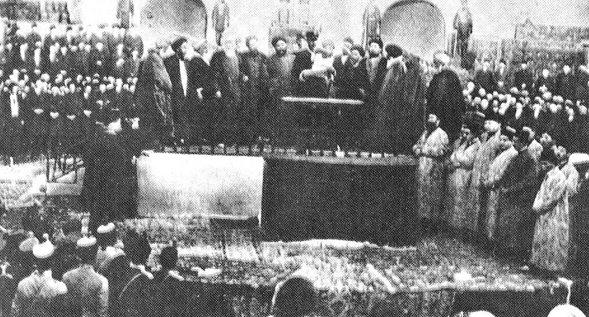 حکم مجلس موسسان به پایان قاجاریه