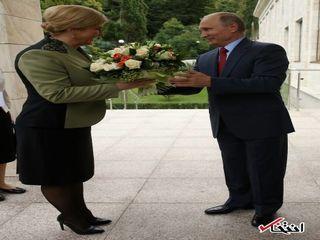 دسته گل پوتین برای خانم رییس جمهور