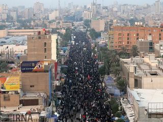 راهپیمایی زائران اربعین