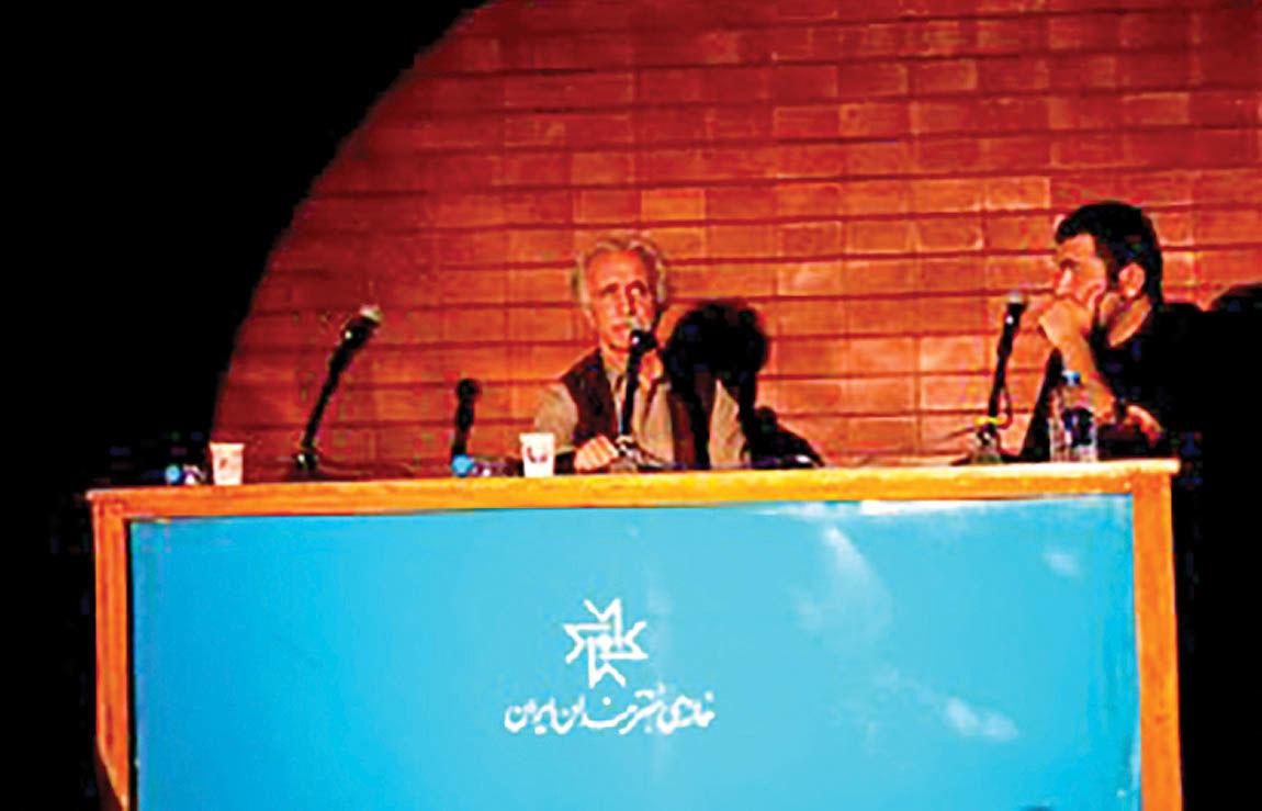 یادبود هوشنگ آزادیور در سالمرگش
