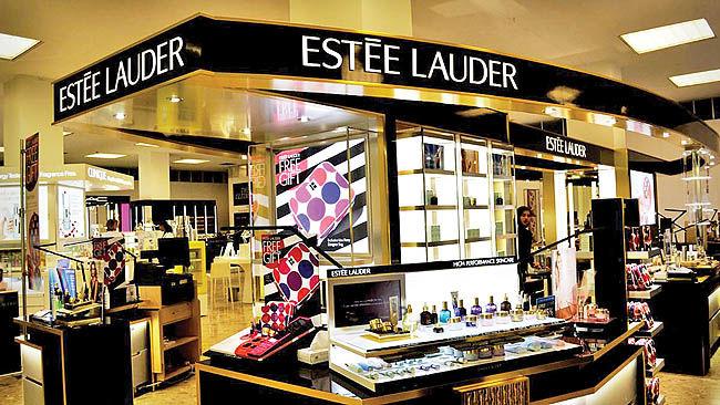 استی لادر، امپراتوری زیبایی و کیفیت