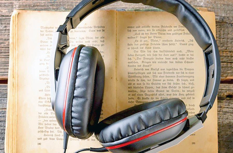 فواید گوش دادن به کتابهای صوتی