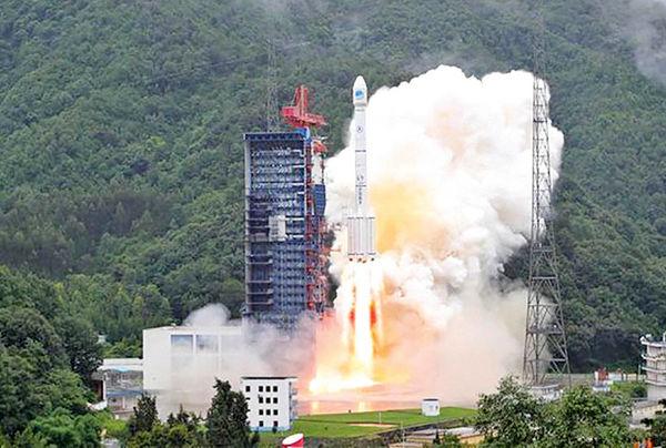 چین یک ماهواره دوقلو پرتاب کرد