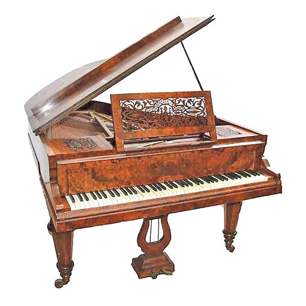 هدیه پیانو به فتحعلیشاه