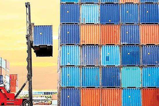 چهار عامل لرزه صادرات 96
