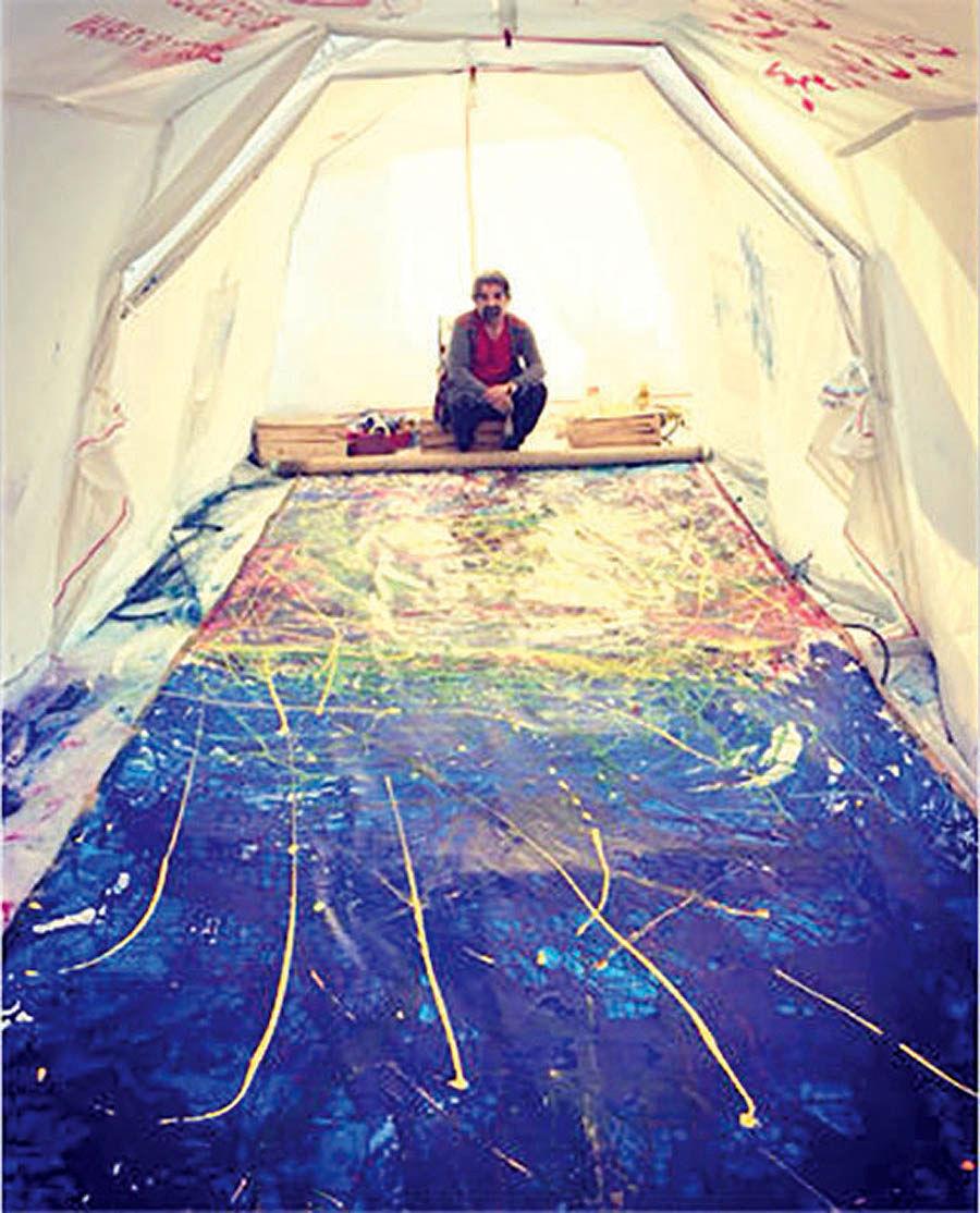 خلق نقاشی ۱۸ متری در حمایت از زلزلهزدگان