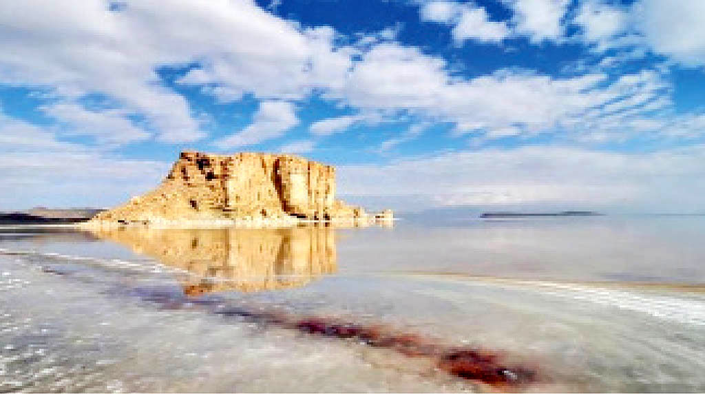 ارومیه شهری در حوالی دریاچه