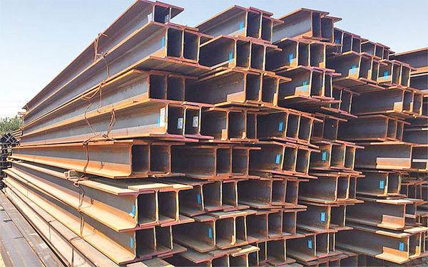 شکست بازار فولاد با عرضههای غیرضروری؟