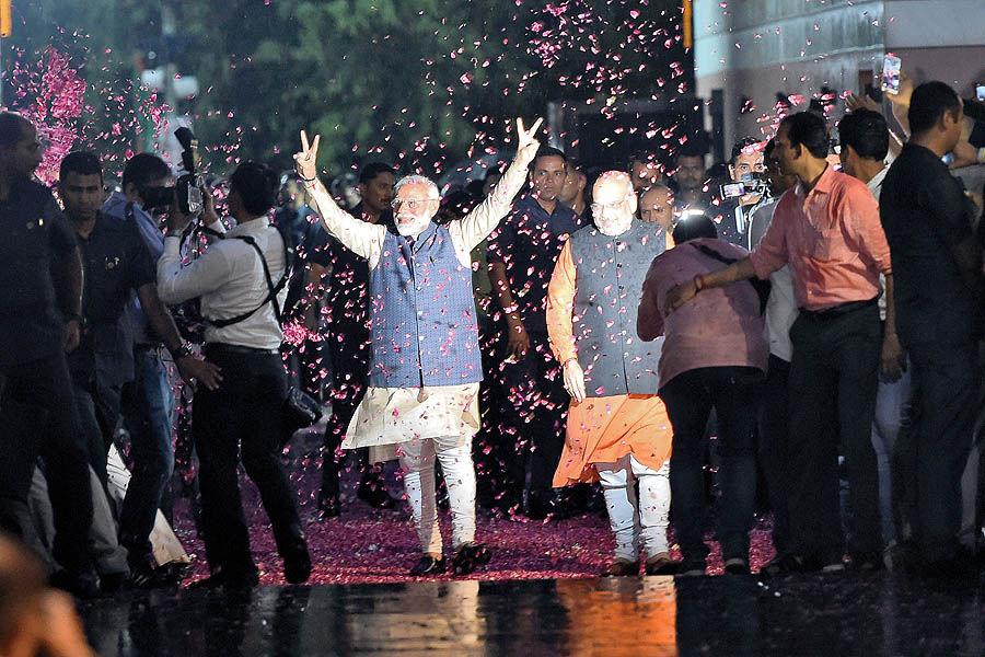 پیروزی خیرهکننده ناسیونالیست هندو