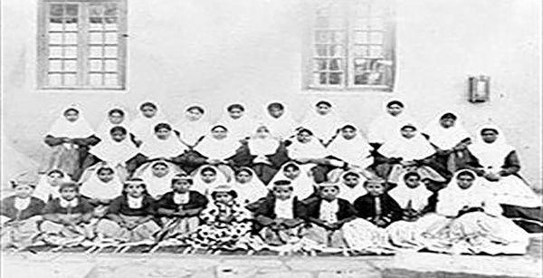 تاثیر مشروطه بر آموزش زنان