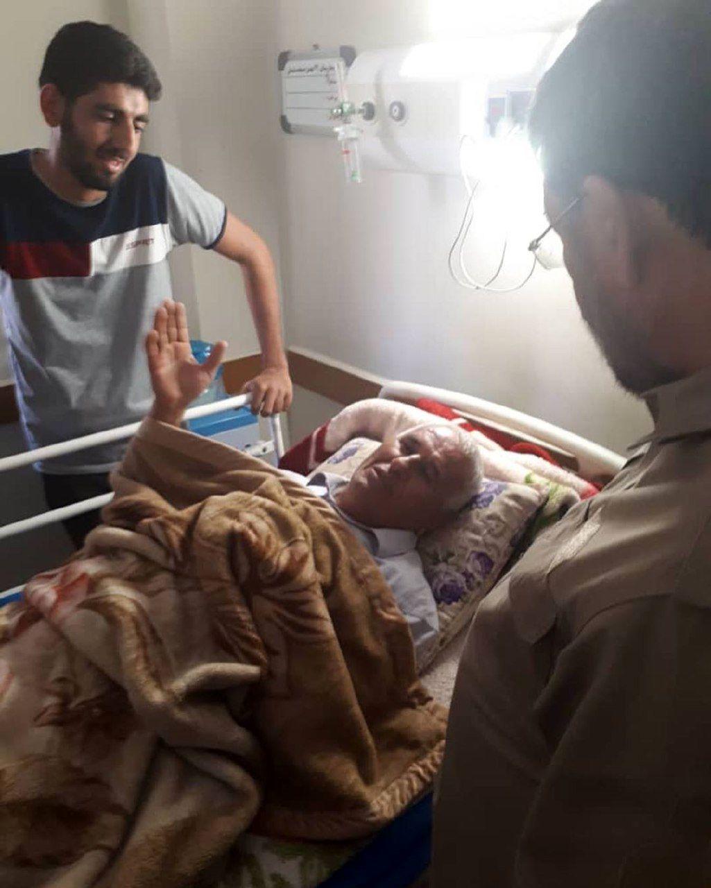 حضور محسن رضایی در مناطق زلزلهزده مسجد سلیمان +تصاویر