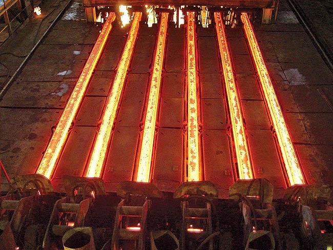 کاهش قیمت فولاد به پایان هفته کشیده شد