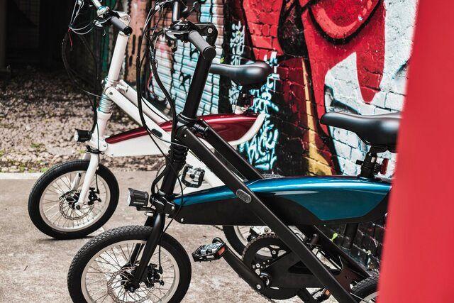 دوچرخه برقی که یک ثانیهای تا میشود (عکس)