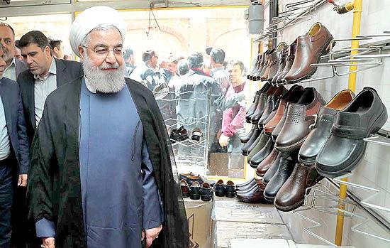حضور روحانی در بازار کفش تبریز
