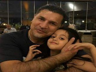 علی دایی در کنار دخترش