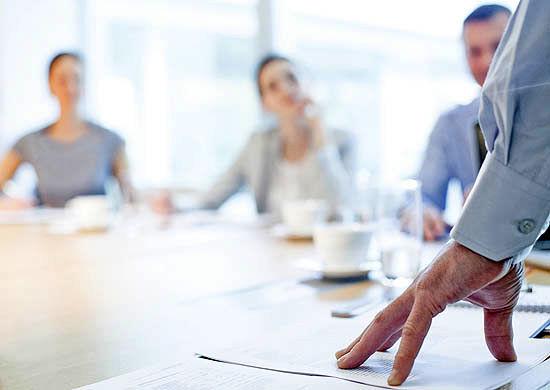 چگونه در صورت کمکاری رئیستان، همکاران خود را مسوول نگه دارید؟