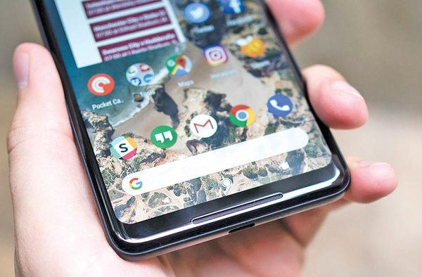 بهروزرسانی گوشی پیکسل برای حل مشکل نمایشگر و بلندگو