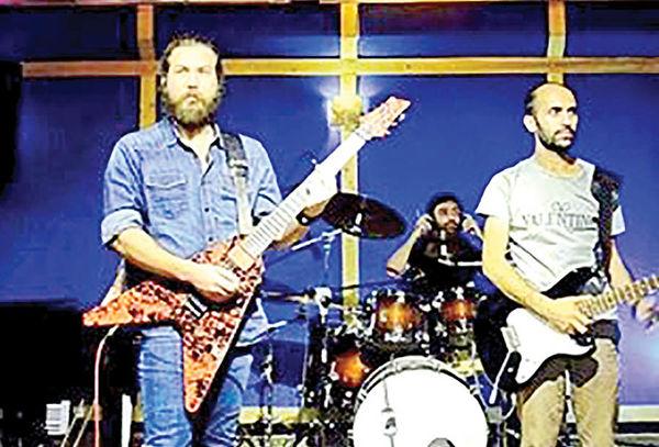 اجرای راک اند رول در برج آزادی