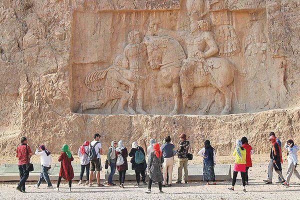 10 چالش ورود  گردشگر به ایران