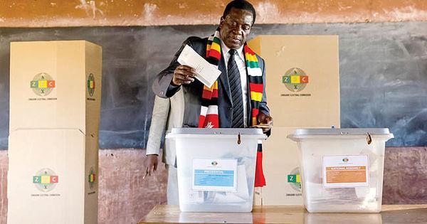 دموکراسی زیر سایه کابوس موگابه
