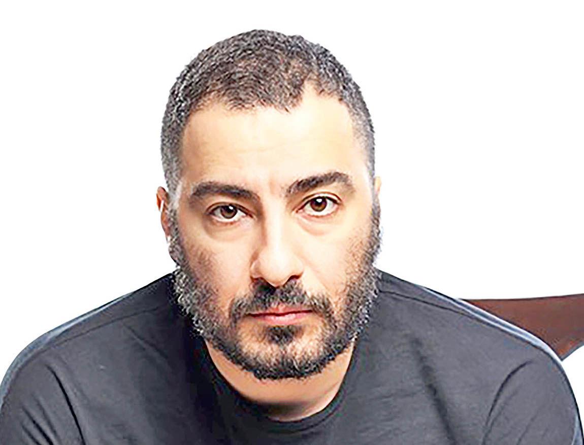 نوید محمدزاده کولبر میشود