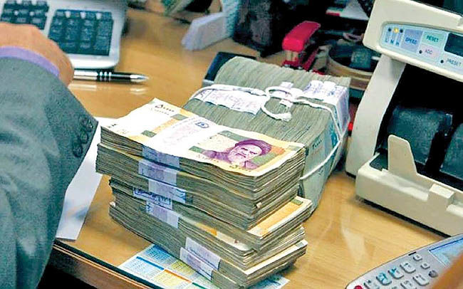 اعتراض ناظر پولی به امهال افراطی وامها