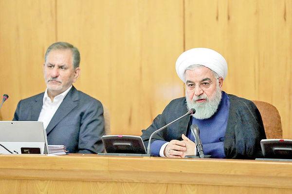روحانی: باید قیمت ارز را متعادل نگهداریم