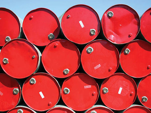 نگاهی بر روندی که بازار نفت طی کرد/ اختلاف عربستان و روسیه به کجا رسید؟