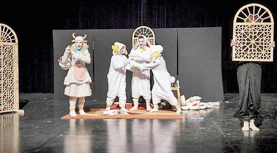 اجرای نمایش موزیکال «بزک زنگوله پا» در تالار هنر