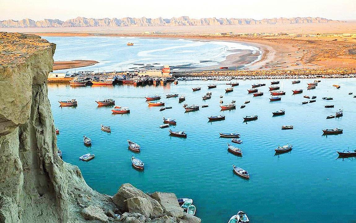 عکس قدی با دریای عمان