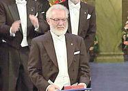 زادروز کرومر، مهندس فیزیکدان