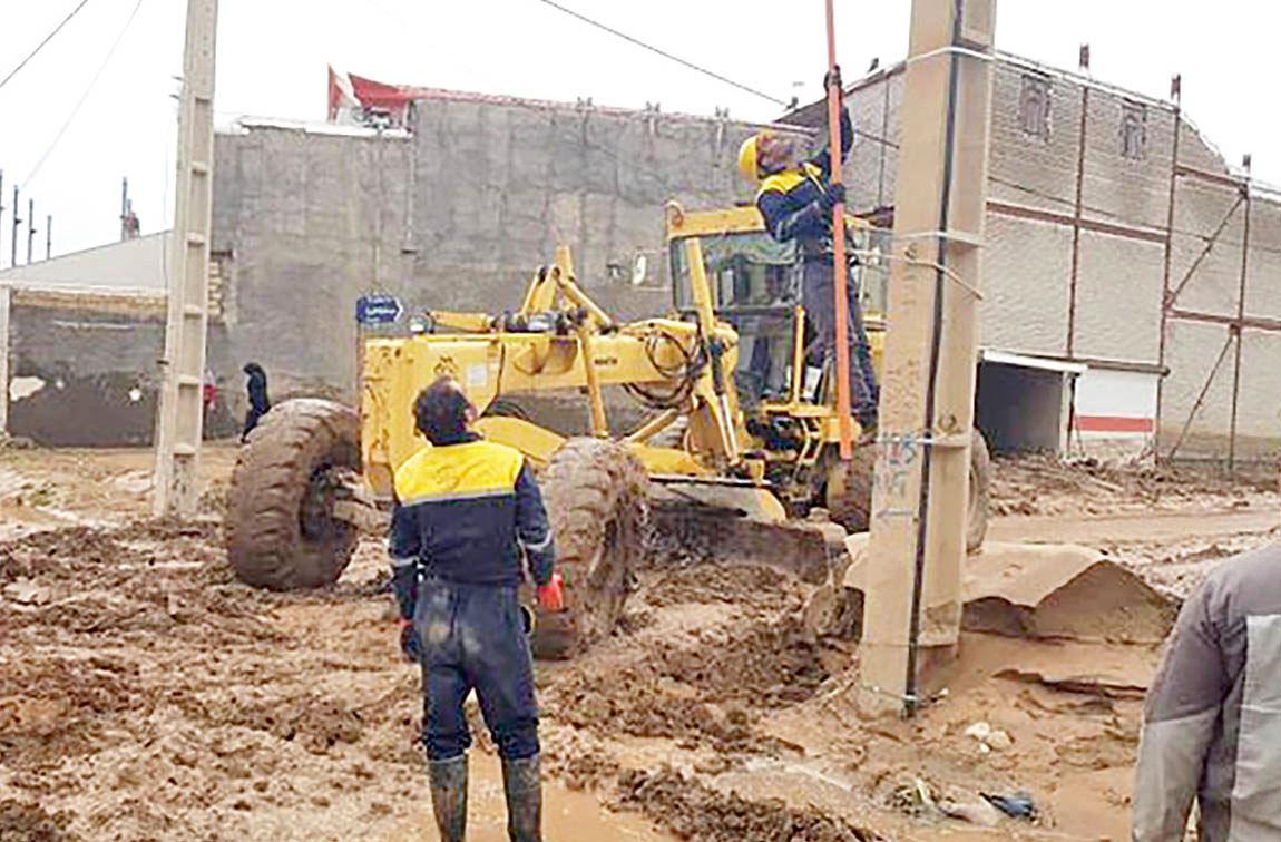 بازسازی ۲۱ خانه سیلزده بهمناسبت روز ملی سینما