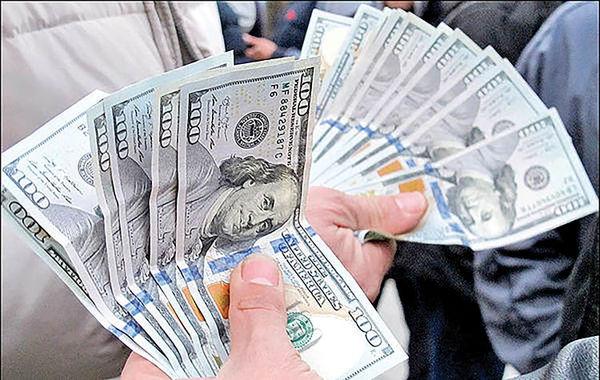 عقبگرد دلار پس از ۸ روز