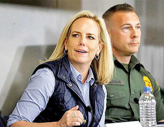 استعفای ناگهانی وزیر امنیت داخلی آمریکا