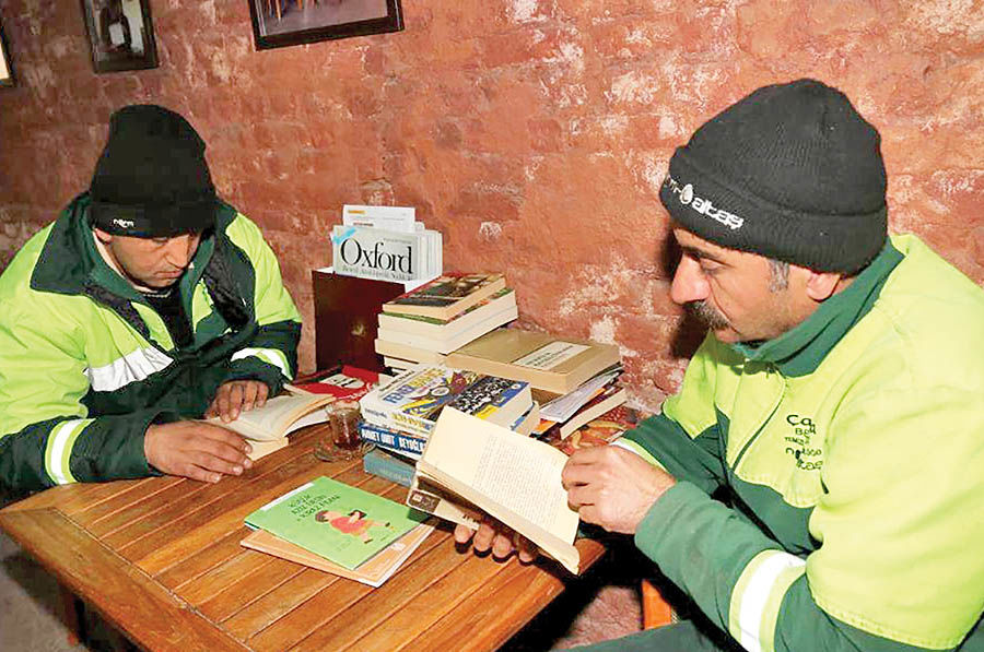 ساختن کتابخانهای از کتابهای دورریخته شده