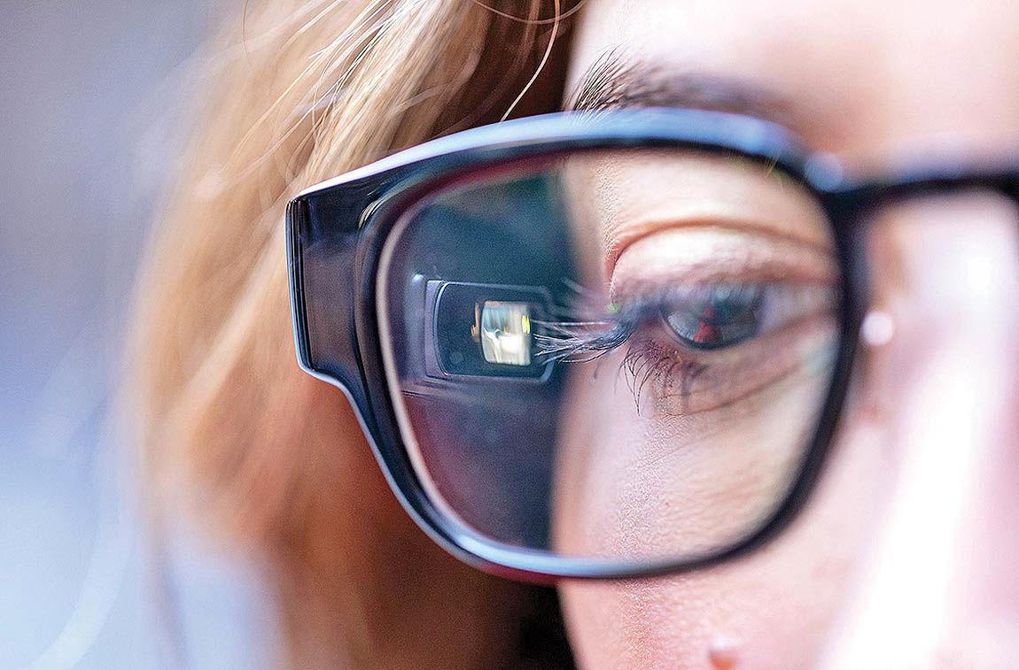 بررسی یک عینک دیجیتالی