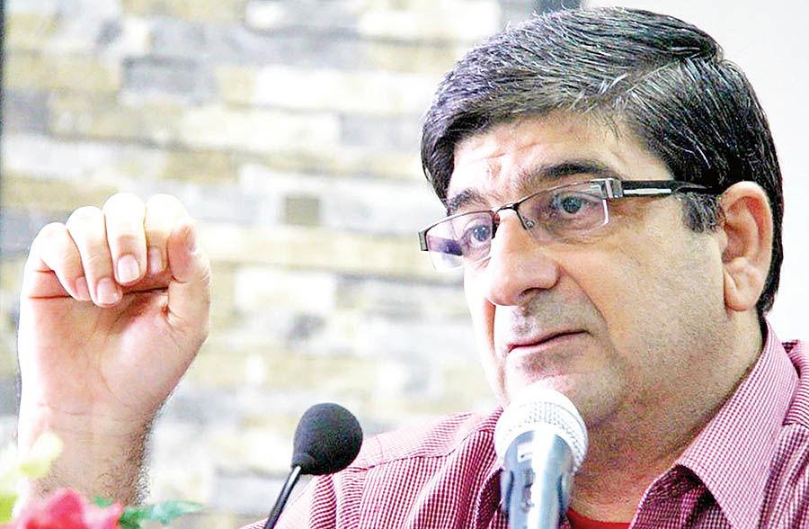 انتقاد مستور از لغو برنامههای «پاموک» در ایران