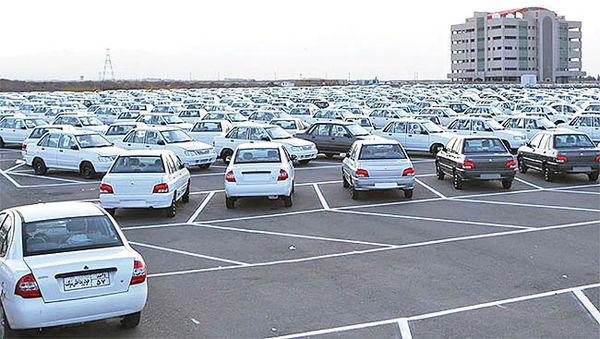 بازار از خودروهای زیر ۵۰ میلیون خالی میشود
