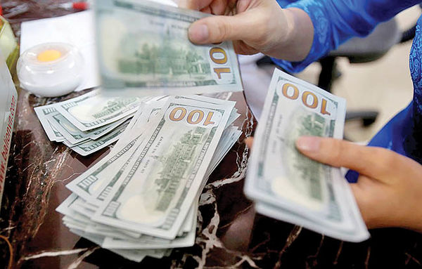 دلار به کف 98 خورد