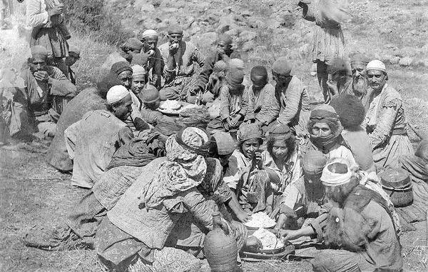 غذاهای اصلی ایرانیان در دوره قاجار