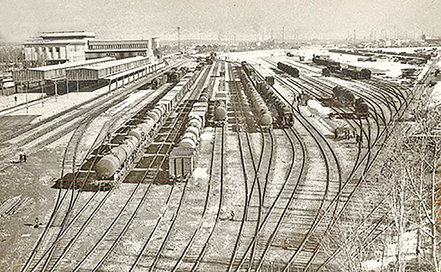 کلنگ اولین راهآهن دولتی ایران