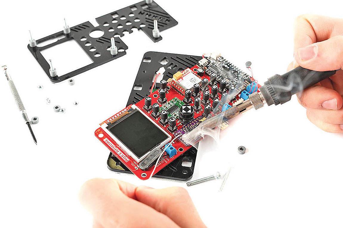 ساخت موبایل در خانه