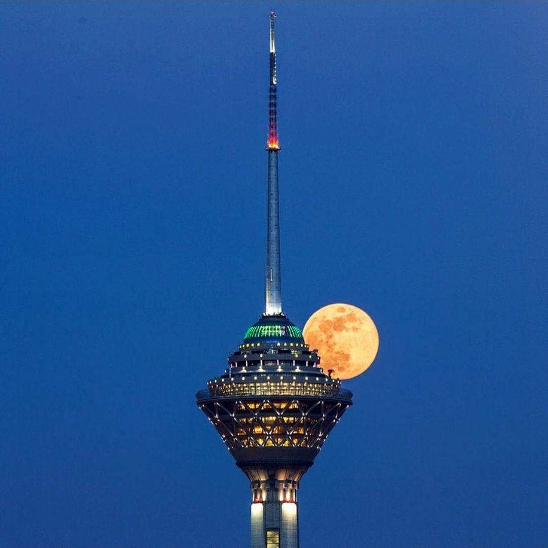 رستوران گردان برج میلاد مکانی برای تمام اقشار