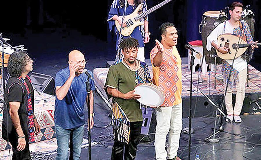 اجرای صداپیشه جناب خان در فستیوال جهانی موسیقی