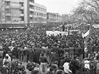 راهپیمایی مردم تهران در حمایت از امام خمینی(ره)